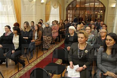 27.12.2017 Церемония передачи в фонды музея иранского национального костюма (фото Александр Эшкинин)