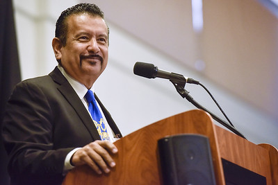 richard-montanez-speaking-at-hispanic-business-achievers-luncheon-dont-forget-your-last-name
