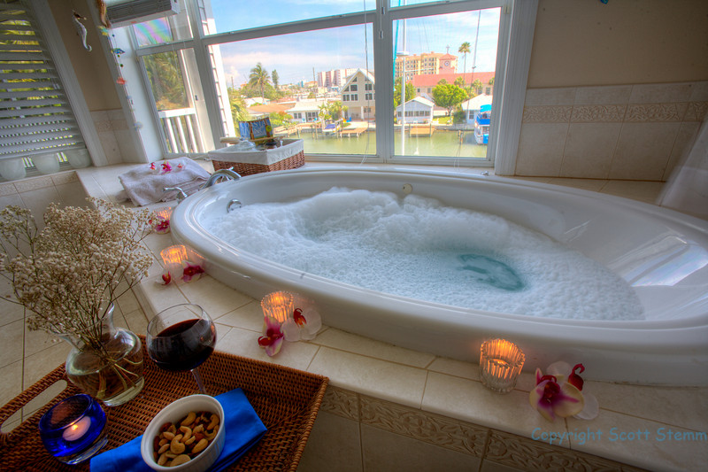 Bubble Bath (spa) master Bathroom celebrating sunset!!!