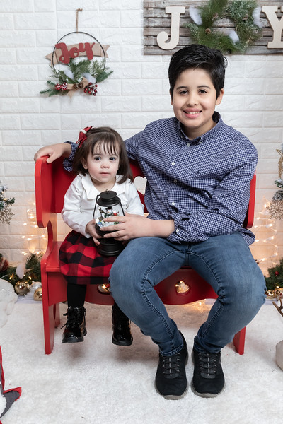 12.21.19 - Fernanda's Christmas Photo Session 2019 - -7.jpg