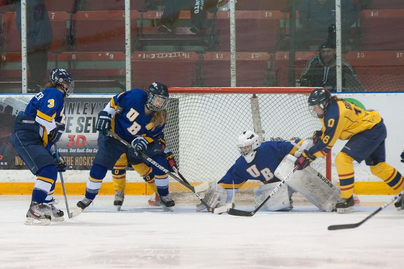 20130310 QWHockeyvsUBC 555.jpg