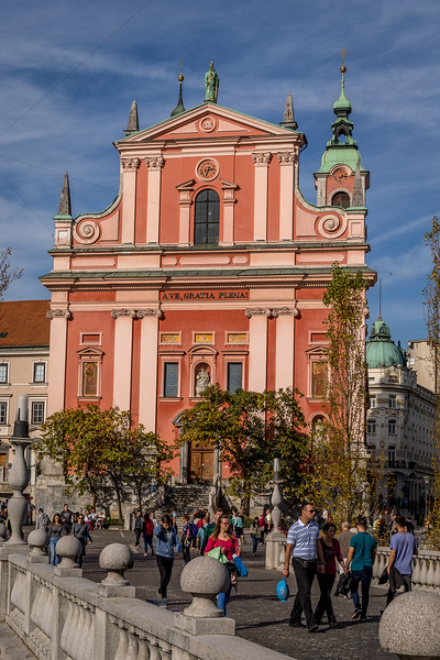 Spaziergang in Ljubliana: Franziskanerkirche am Preseren-Platz