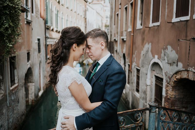 Tu-Nguyen-Destination-Wedding-Photographer-Elopement-Venice-Italy-Europe-w42.jpg