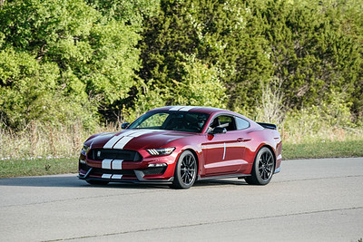1 Red GT350