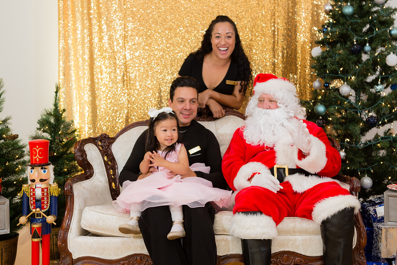 FADS Picture with Santa-170.jpg