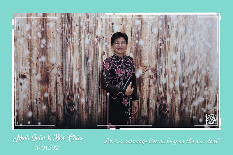 QC-wedding-instant-print-photobooth-Chup-hinh-lay-lien-in-anh-lay-ngay-Tiec-cuoi-WefieBox-Photobooth-Vietnam-cho-thue-photo-booth-019.jpg
