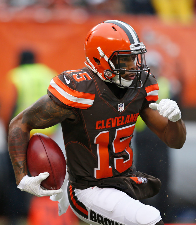 . Cleveland Browns wide receiver Mario Alford (15) rushes against the San Diego Chargers in the first half of an NFL football game, Saturday, Dec. 24, 2016, in Cleveland. (AP Photo/Ron Schwane)
