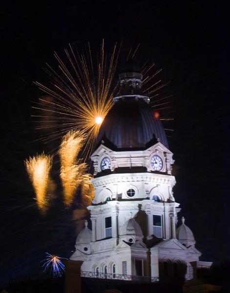 Terre_haute_fireworks_0204.jpg