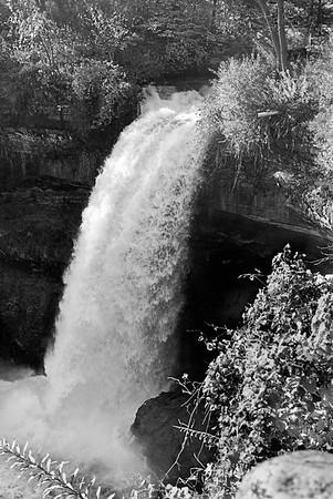 Leica M2 R_21 Acros 100 Minnehaha Falls