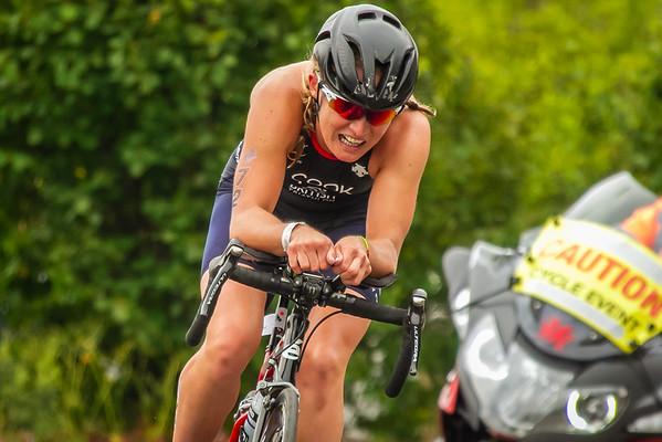 Cardiff Triathlon - Elite Women Bike 2
