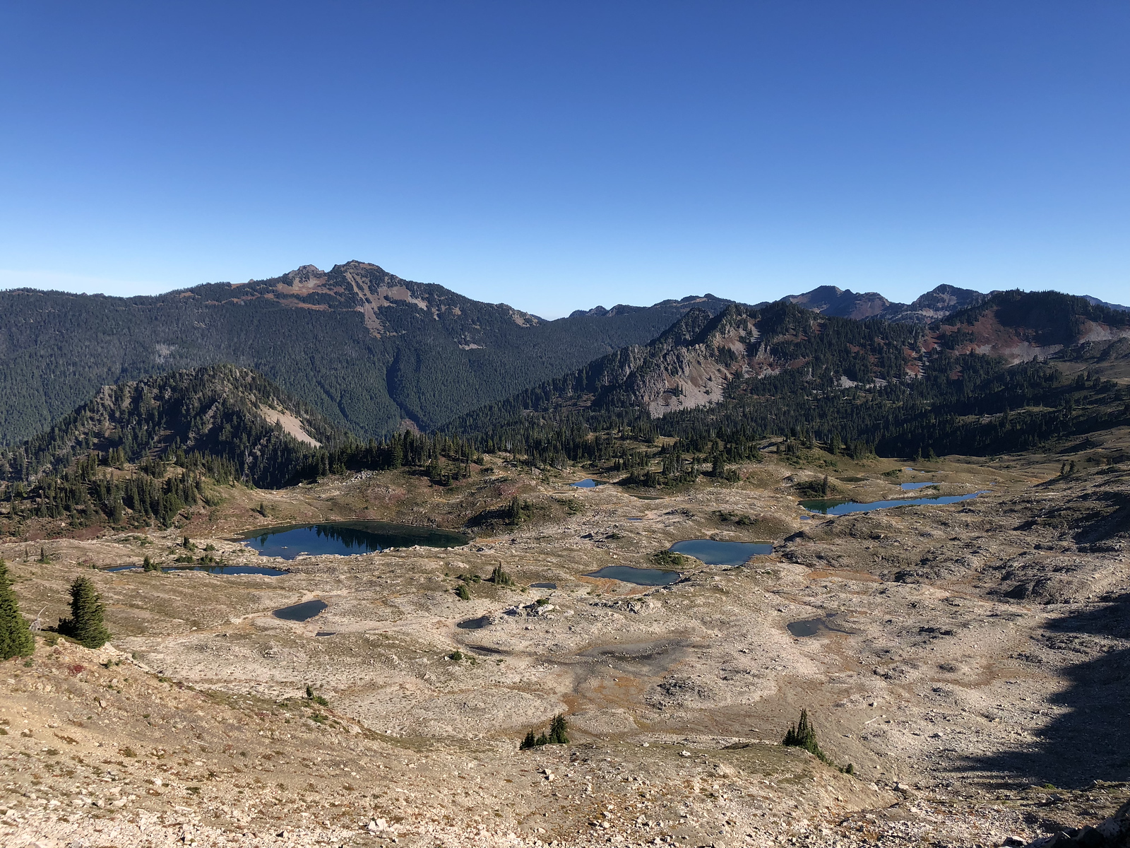 The many lakes of Seven Lakes Basin