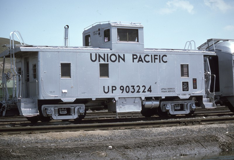 UP_Caboose_903224_Salt-Lake-City_June-1975_Dean-Gray-photo.jpg