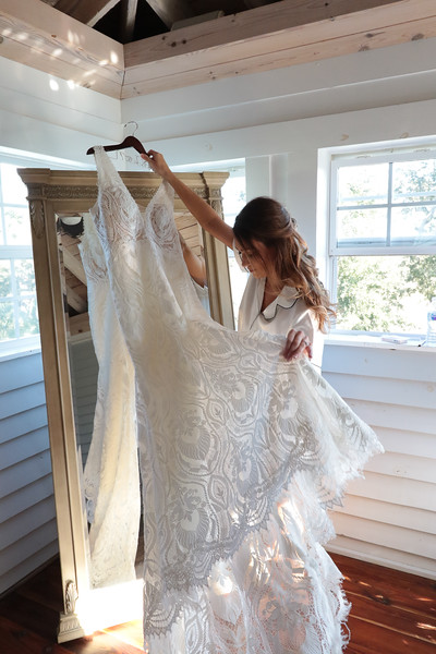 Elegant-Southern-Coastal-Wedding-Neutral-And-White-Details-Photography-By-Laina-Dade-City-Tampa-Area-Wedding-Photographer-Laina-Stafford--22.jpg