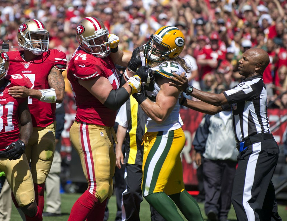 . <p><b> Redskins at Packers (-7½):</b>  <p> Niners coach Jim Harbaugh taunted the slap-happy Clay Matthews, daring the Green Bay linebacker to �come with some knuckles� next time. This week, the Packers may. <p>Pick: <b>Packers by 10</b> <p>    (AP Photo/The Sacramento Bee, Hector Amezcua)