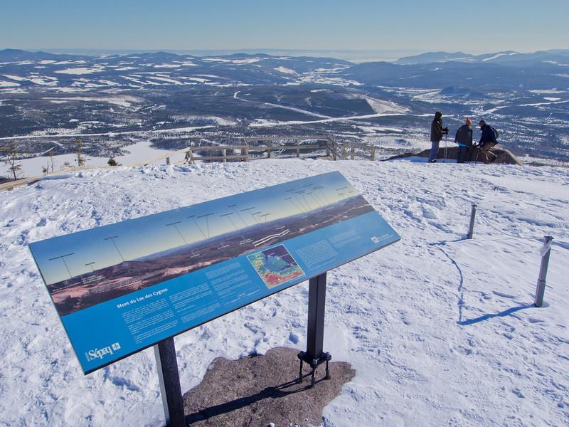 Vue au sommet du Mont du Lac des Cygnes - Parc national des Grands-Jardins, Québec