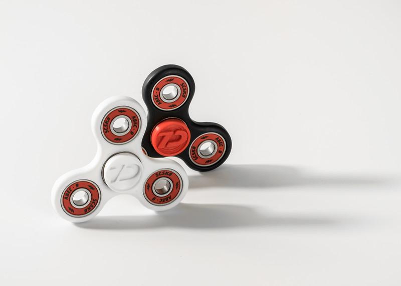 BlackWhite-V3 Spinner-2.jpg