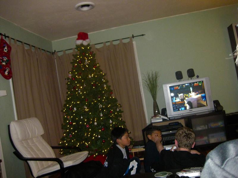 09 - Dec - 11 - Jr High 6th Grade All-Nighter-0637