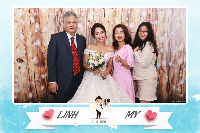 Linh-My-wedding-instant-print-photo-booth-in-Ha-Noi-Chup-anh-in-hnh-lay-ngay-Tiec-cuoi-tai-Ha-noi-WefieBox-photobooth-hanoi-20.jpg