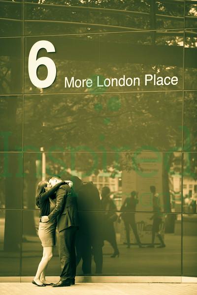 Caroline & Simon - Engagement Shoot - The Queens Walk, London