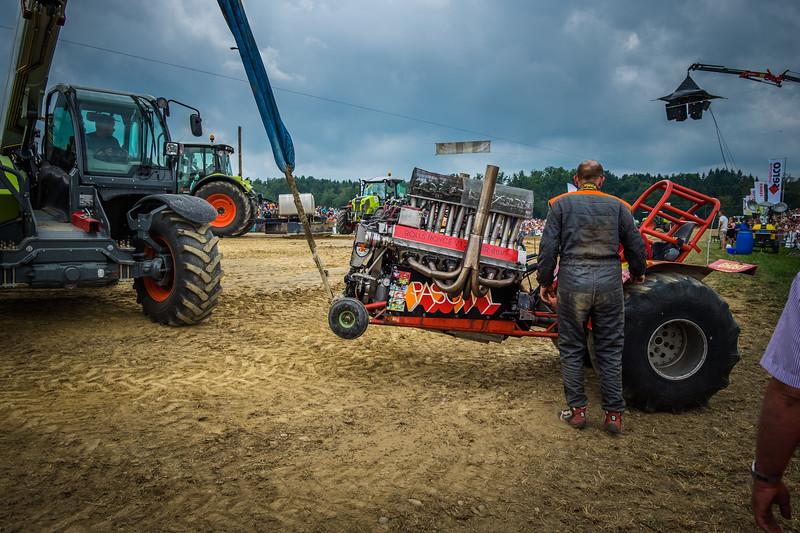 Tractor Pulling 2015 XE2-2521.jpg