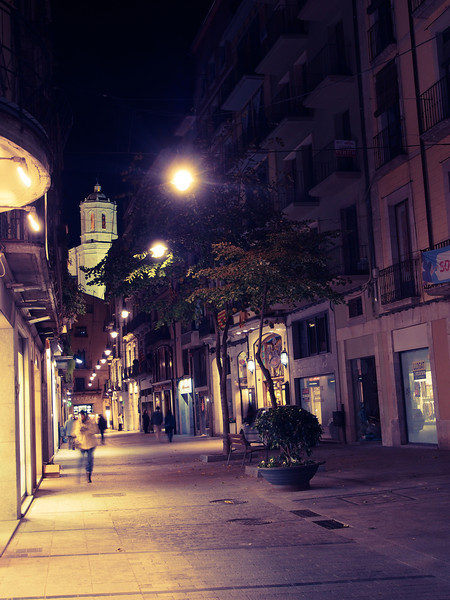 girona shopping street at night.jpg