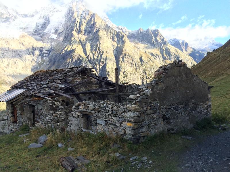 Stage 6: Rifugio Bonatti, Italy to La Fouly, Switzerland