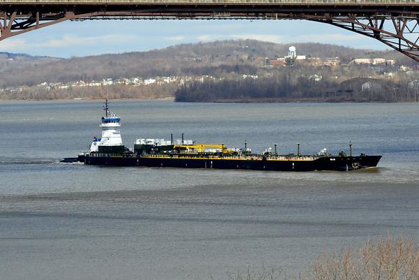 Lincoln Sea / DBL 140 Newburgh - Beacon Bridge 3/4/13 14:09 hd hrs