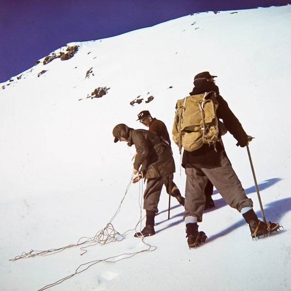 1957 Practicing on Mt Ruapehu.jpg