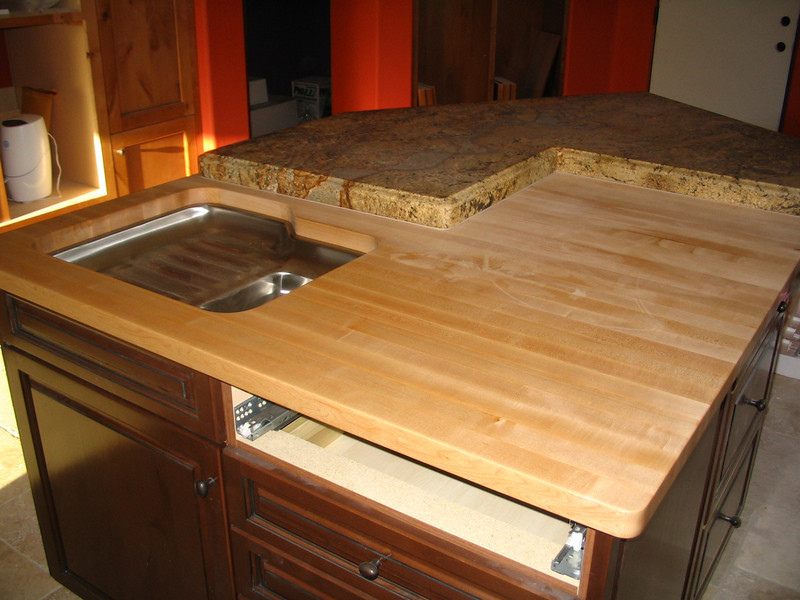 Another view of the island countertop.