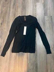 201125-B5Creatch Knit V-neck Sweater