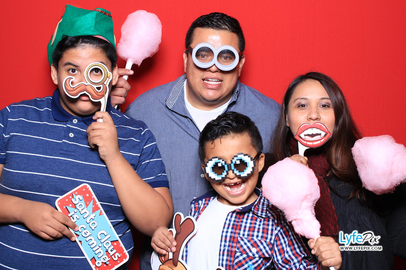 eastern-2018-holiday-party-sterling-virginia-photo-booth-0013.jpg