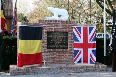 Bevrijdingsherdenking 2007 - Aan het monument