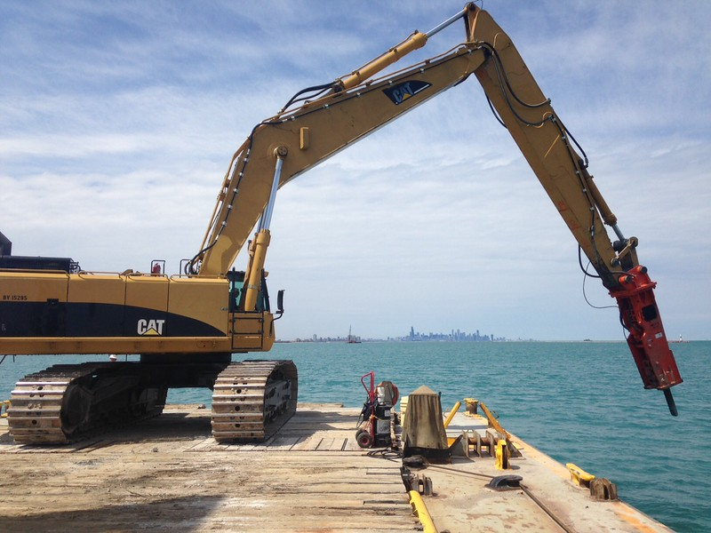 NPK GH30 hydraulic hammer on Cat 385 excavator at Luhr Bros in Chicago (17).JPG