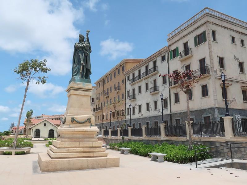 IMG_9209-primavera-statue-square.jpg