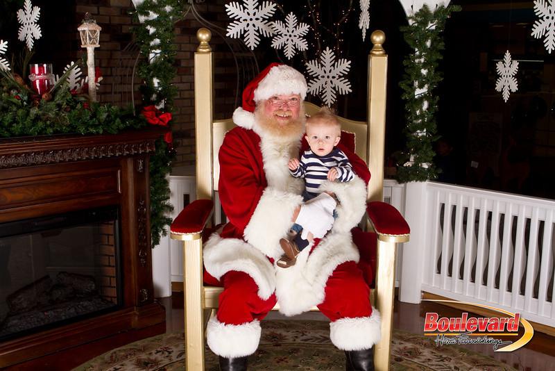 Santa Dec 15-281.jpg