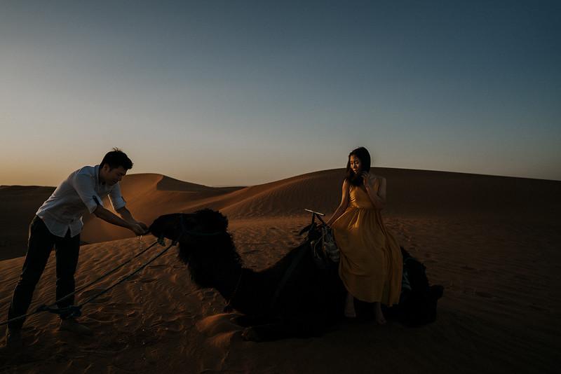 Tu-Nguyen-Destination-Wedding-Photographer-Morocco-Videographer-Sahara-Elopement-401.jpg