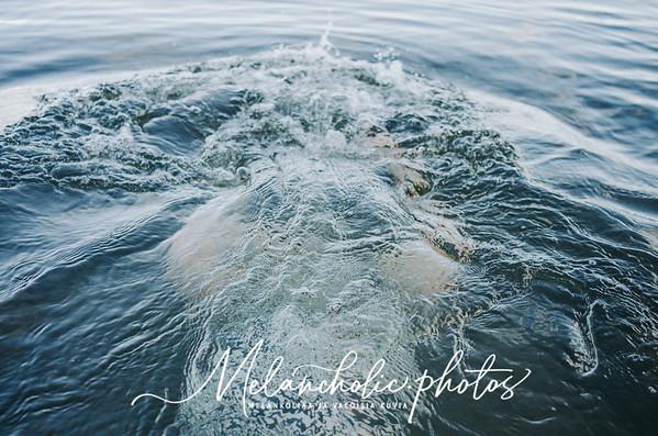hiusten pesu meressä järvessä ekologisesti biohajoava shampoo