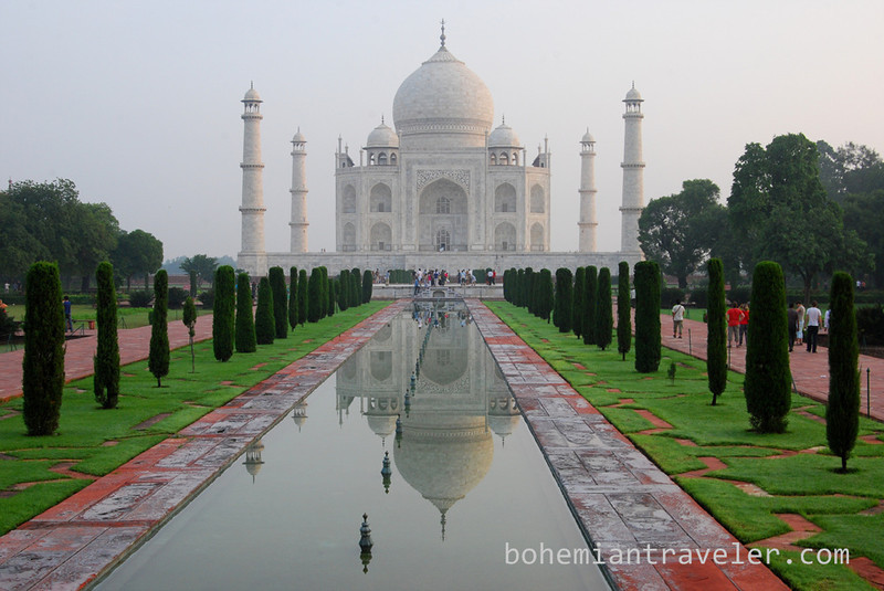 Taj Mahal and reflection.jpg