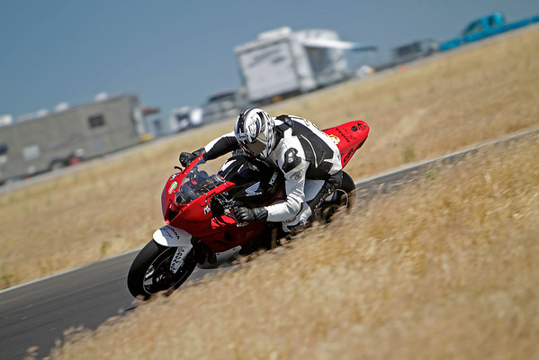 Honda - Red White 600RR