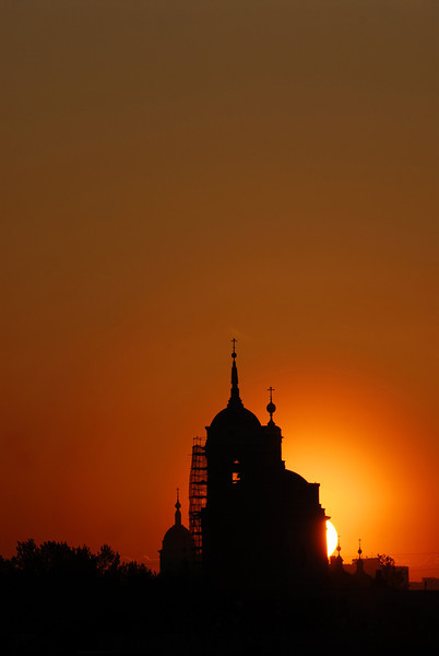 070515 6219 Russia - Moscow - Sunrise from apartment on Taganskaya _H _I ~E ~L.JPG