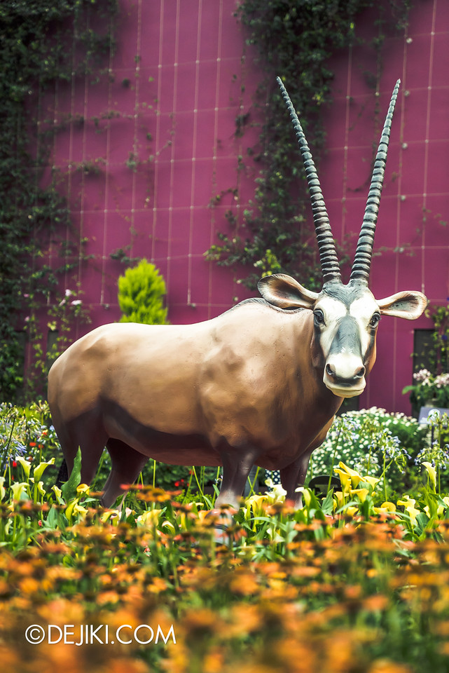 Gardens by the Bay - Tribal Tempo / a yak among the flowers
