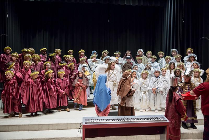 1st grade Christmas program (48 of 49).jpg