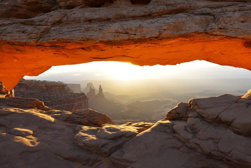Sunrise, Mesa Arch.  Canyonlands National Park, Utah