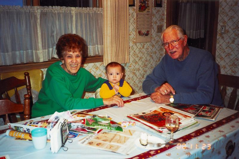 2000-11-23 JoeMickeyBrian1.jpg