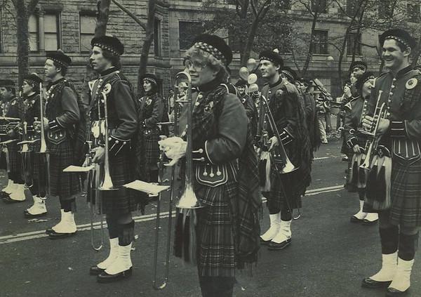 QB 1983 NYC Macys Parade b.jpg