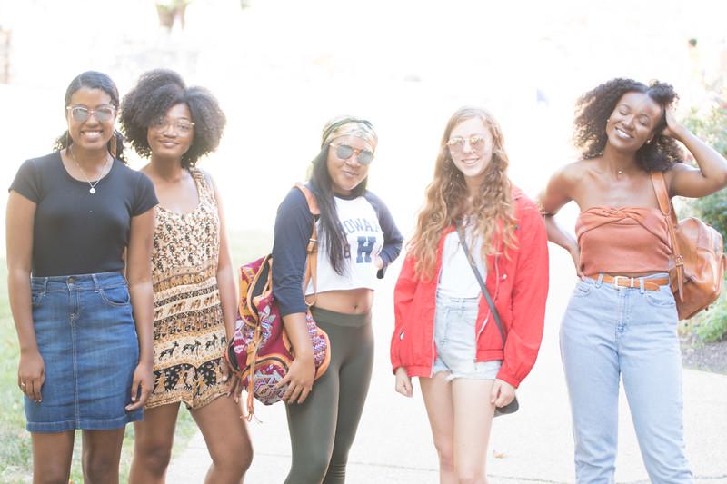 Blogger-Kia-Drew-Curls-120-Leanila_Photos.jpg
