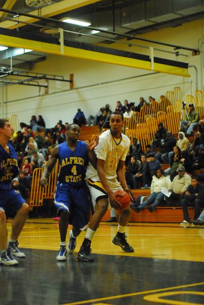 20100211_MCC Basketball_0479.JPG