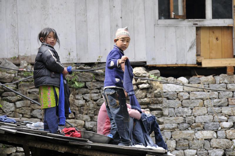 080516 2534 Nepal - Everest Region - 7 days 120 kms trek to 5000 meters _E _I ~R ~L.JPG