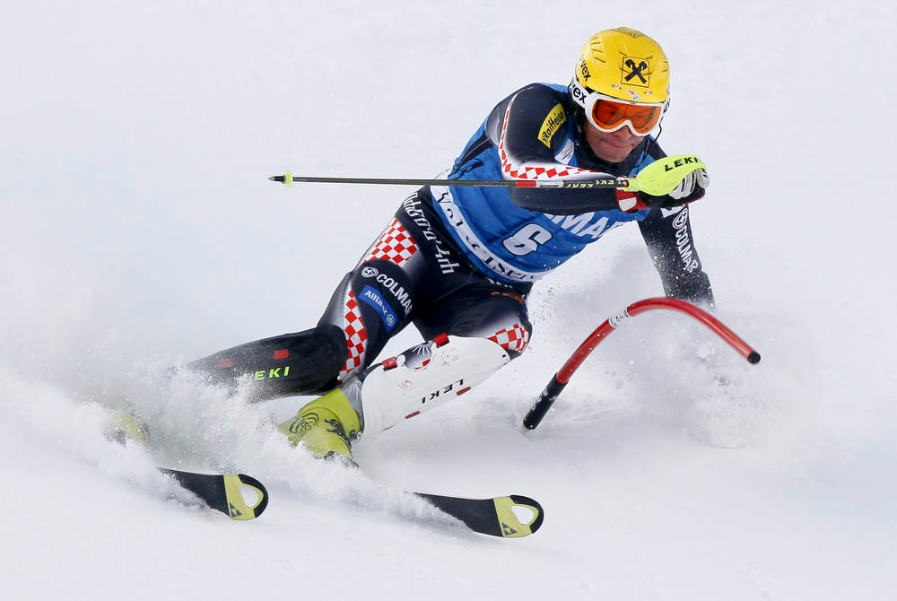 . Ivica Kostelic of Croatia skis during the first leg in the men\'s World Cup Slalom skiing race in Val d\'Isere, French Alps, December 8, 2012.    REUTERS/Robert Pratta (