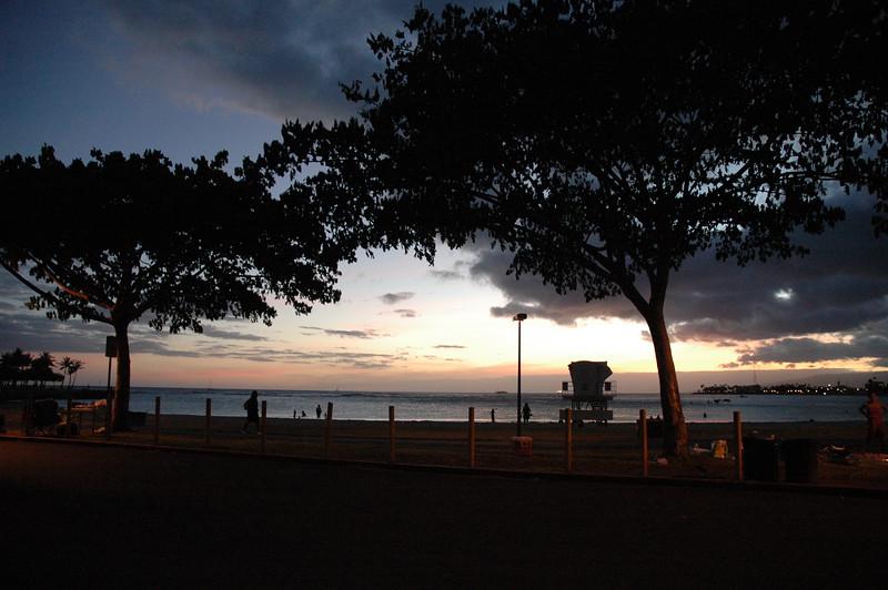 Hawaii - Ala Moana Beach Sunset-207.JPG